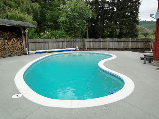goldenpoolservices_REPAIR OPTIONS FOR CONCRETE POOL DECKS